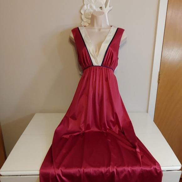 8150f49e177 Vintage Intimates   Sleepwear